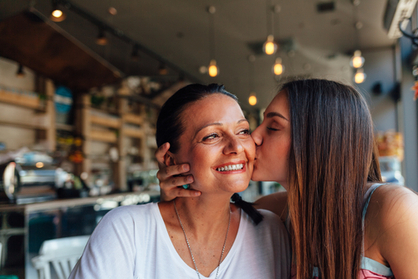 mom and teen daughter relationships